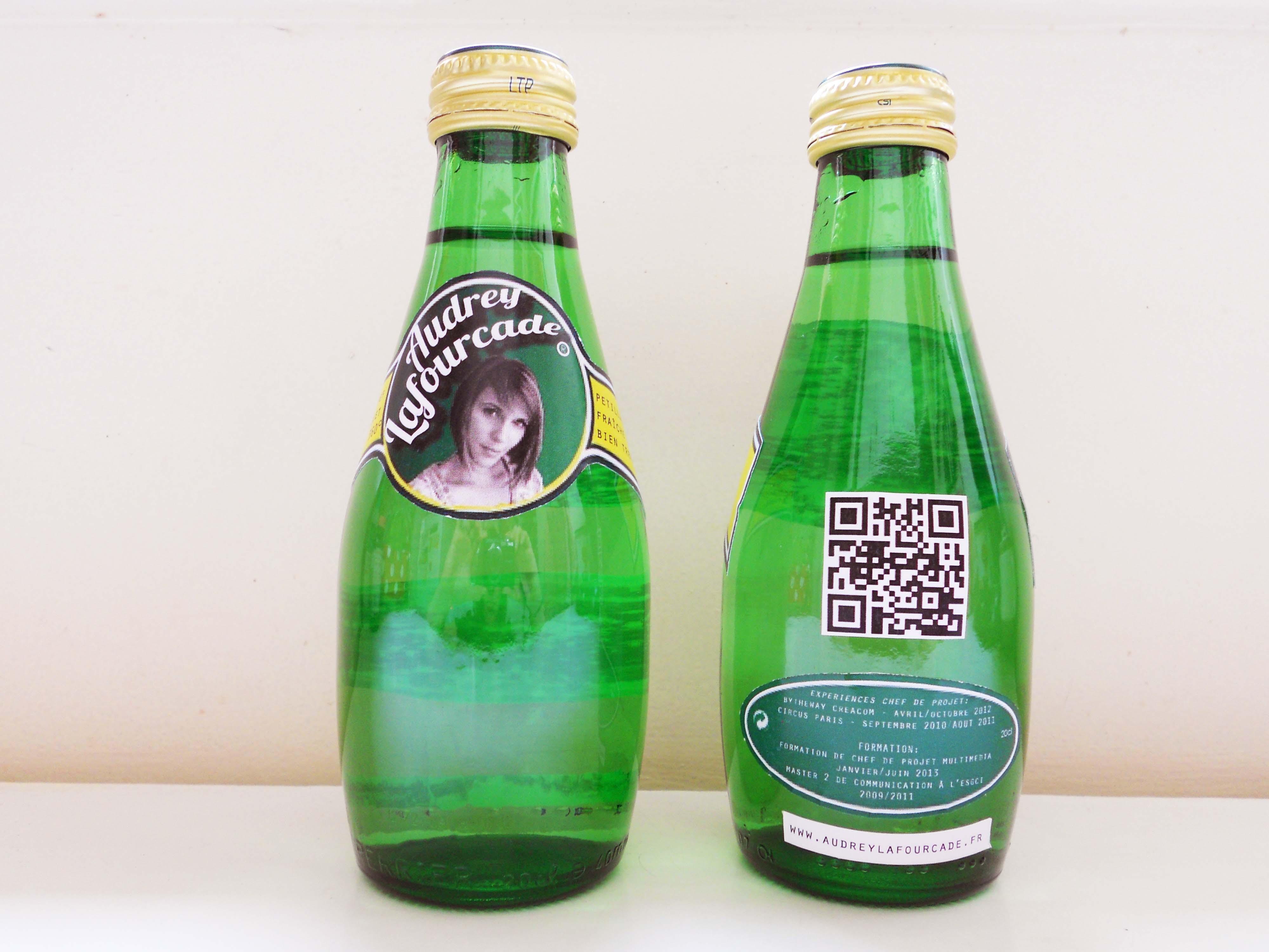 le cv sous forme de bouteille   p u00e9tillant  frais et bien tremp u00e9